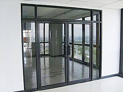 ซ่อมประตูกระจกบานสวิง